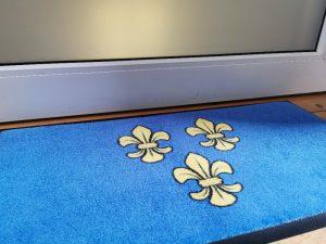 Wiesbaden Lilien blau gelb